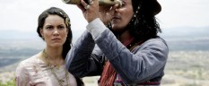 Hermila Guedes e Irandhir Santo nos papéis principais